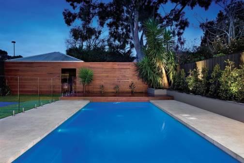 Kew swimming pool