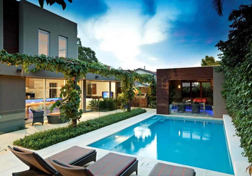 Surrey Hills pool view