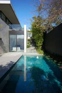 Kew pool r